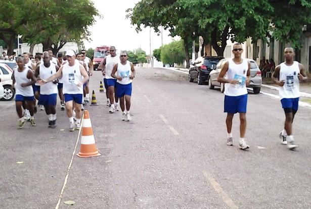 Atletas não se importaram com o calor e participaram da 1º Corrida Rústica