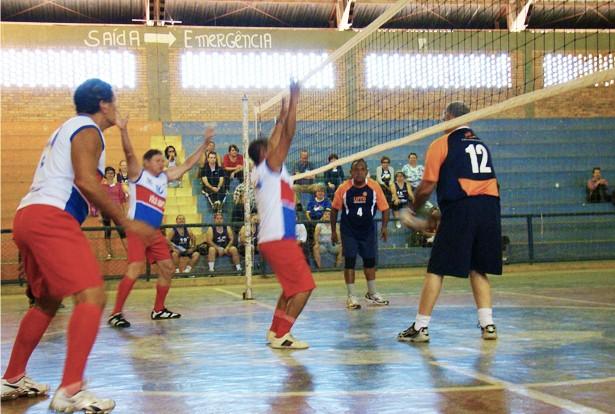 Atletas realizaram amistoso intermunicipal como treinamento para os jogos