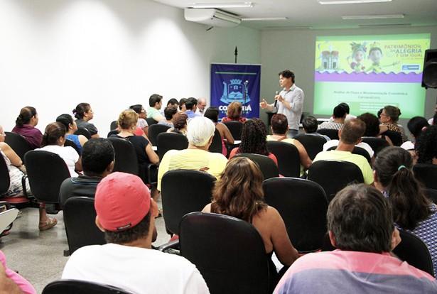 Prefeito recebeu comerciantes no Auditório da Prefeitura (Foto: Marcos Boaventura)
