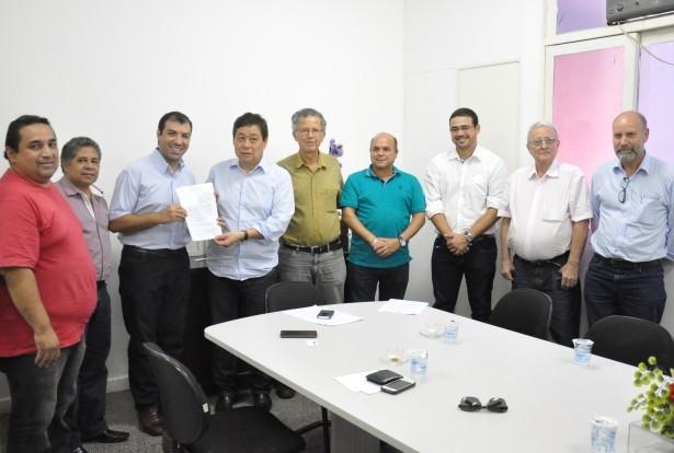 Assinatura do termo de cooperação mútua