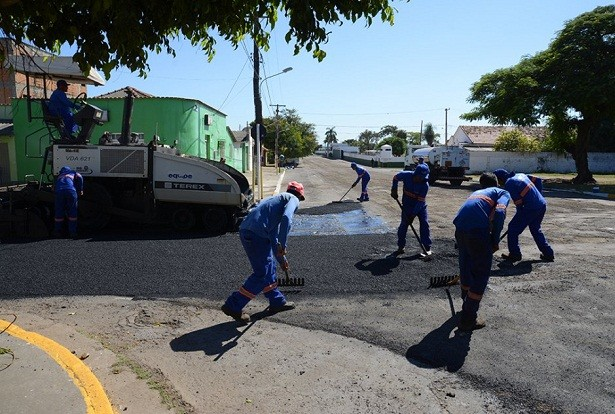 49145-rua-caceres-e-outra-via-que-esta-sendo-recuperada-pela-prefeitura-foto-rene-marcio-carneiro