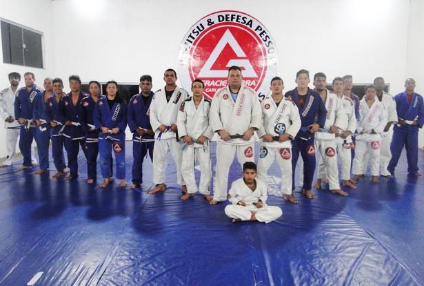 Mesmo com a falta de patrocínio, os lutadores estão se destacando a nível estadual e nacional (Foto: Pérola News)