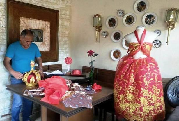 Costureiro ladarense prepara a roupa da Corte de Momo para o Carnaval 2017